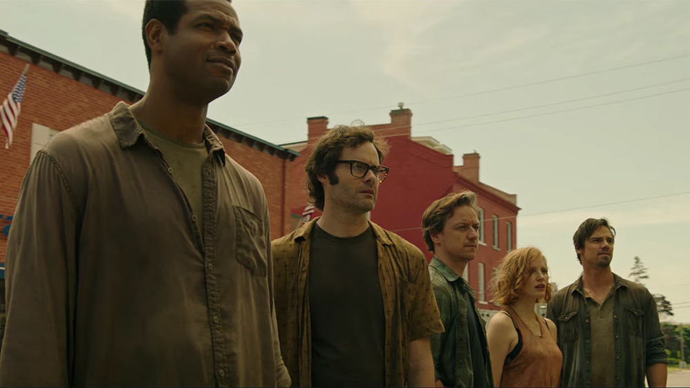 The adult Losers reunite in Derry, Maine to face off against Pennywise (Bill Skarsgaard): From L to R: Mike (Isaiah Mustafa) Richie (Bill Harder) Bill (James McAvoy) Beverly (Jessice Chastain) and Ben (Jay Ryan)